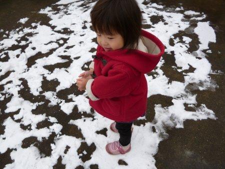 今日は雪で遊びました。