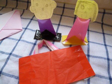「紙相撲人形」と「バック」