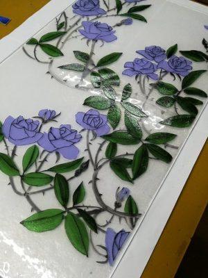 薔薇Bはラヴェンダーの花に、ライトグリーンの葉です。