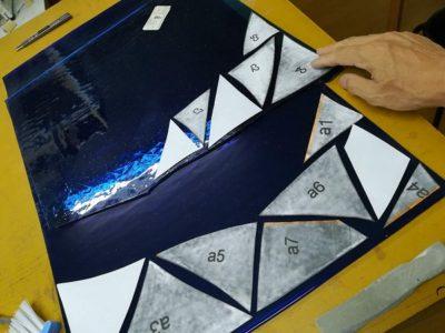 このブルーは、今は無きフィッシャー社のアンティークガラス
