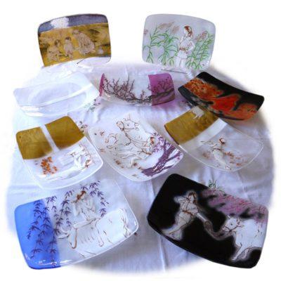 仏教の教えを凝縮・フュージング画絵皿「十牛図」