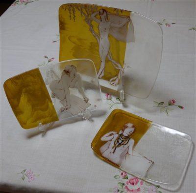 3枚一組のフュージング画絵皿「羽織」