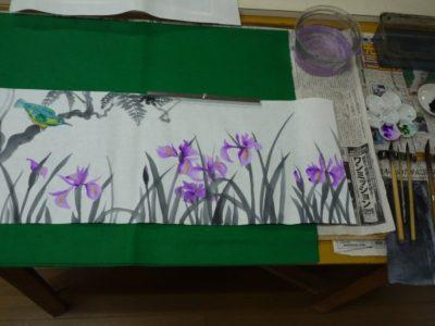 水墨画でステンドグラスの原画を描く 「カキツバタ」