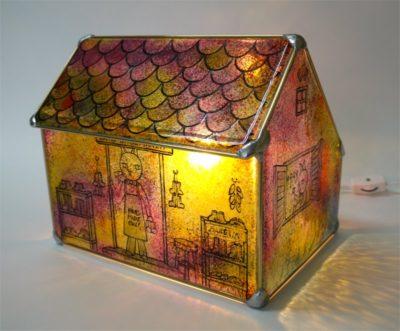 家型ステンドグラスランプ「猫のくつ屋」
