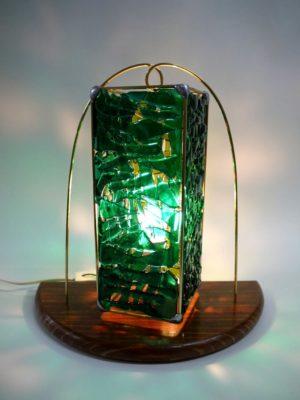 龍ケ崎市ふるさと納税返礼品「緑の釣鐘ランプ」